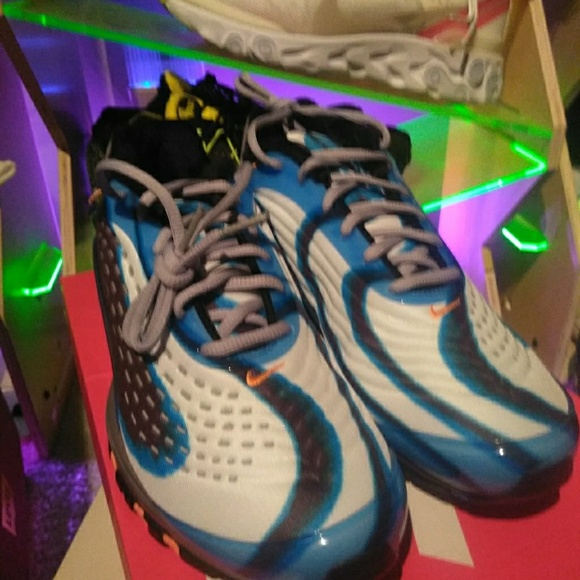 best service 986a5 b5833 Men s size 10 and 10.5, Nike Air Max Deluxe